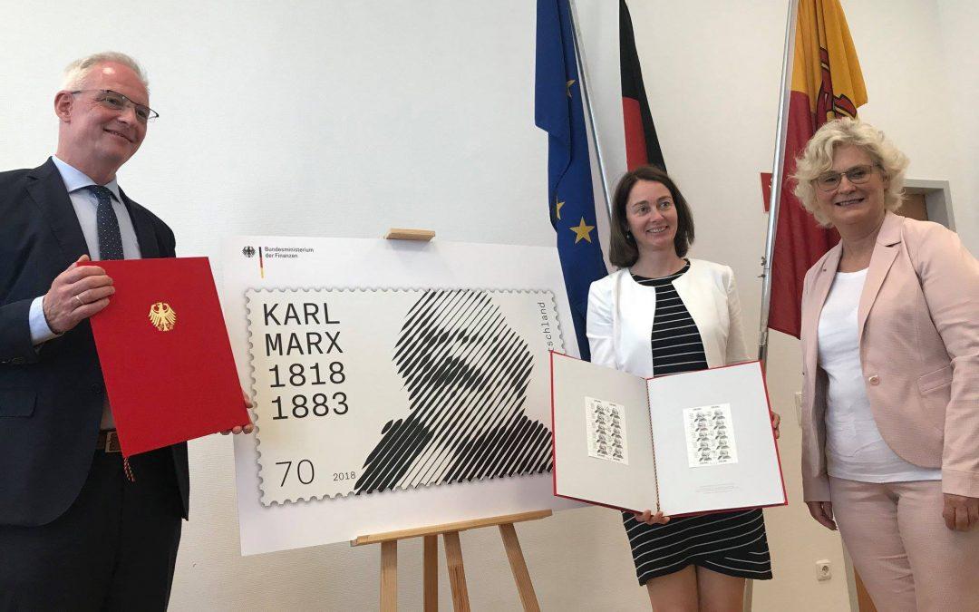 Karl-Marx-Briefmarke ab sofort erhältlich