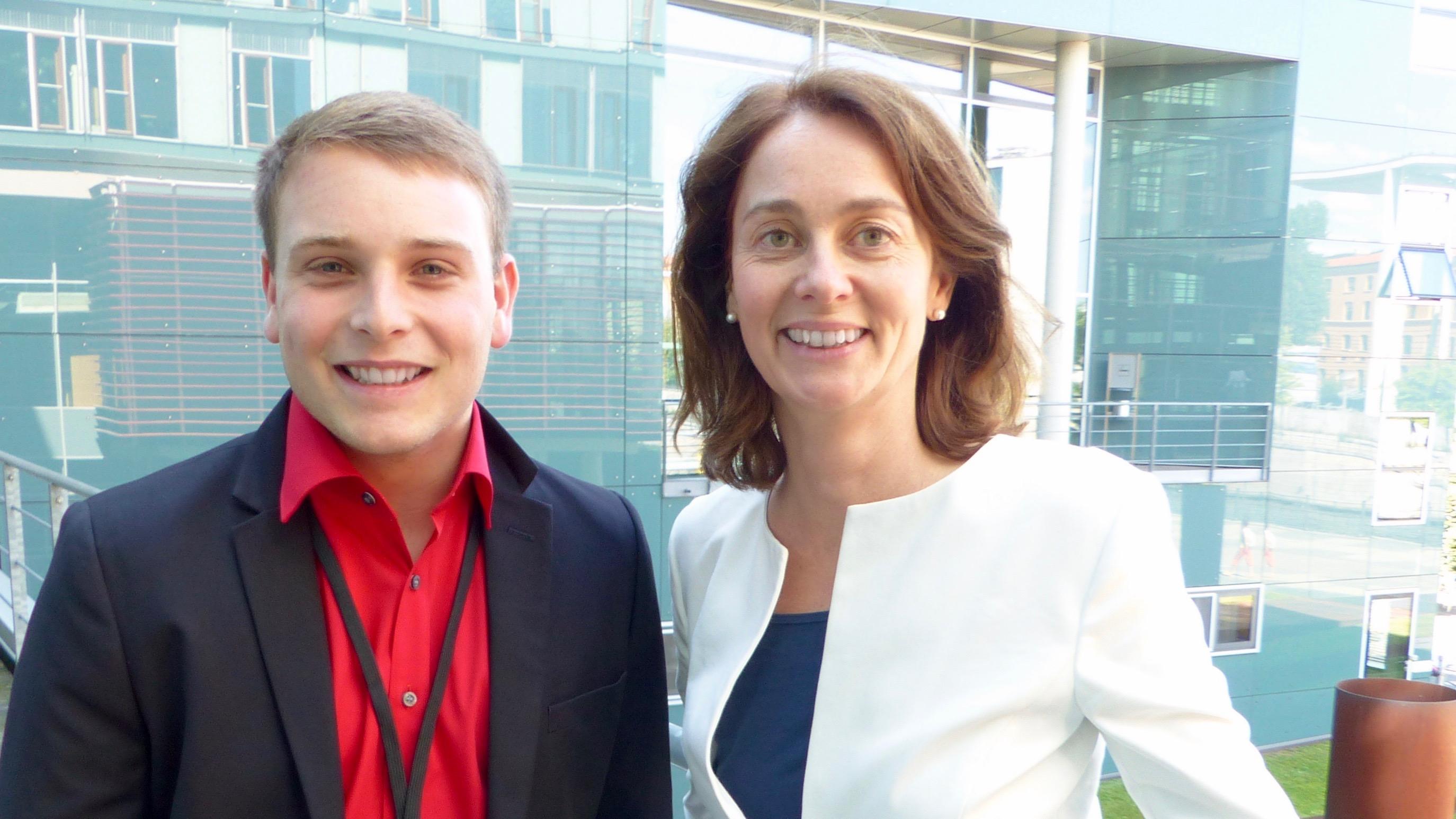 """Trierer Schüler bei """"Jugend und Parlament"""" im Bundestag"""
